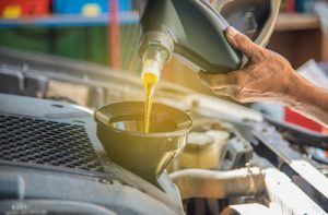 Motor Oil Types-How to Choose the Right One for Your Car