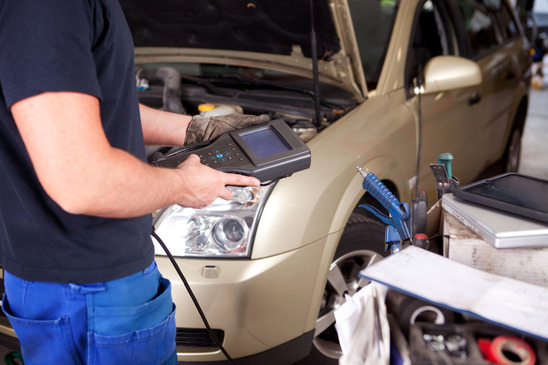 The Difference Between Auto Mechanics And Auto Technicians